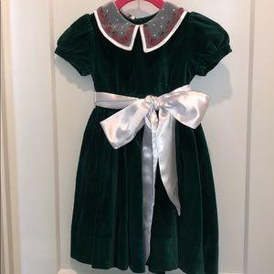 Girls Strasburg green velvet holiday dress. 24 M